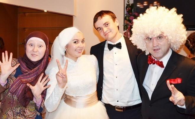 bi0pMkgd8m8 - Как продвигать услуги ведущего свадеб в социальных сетях
