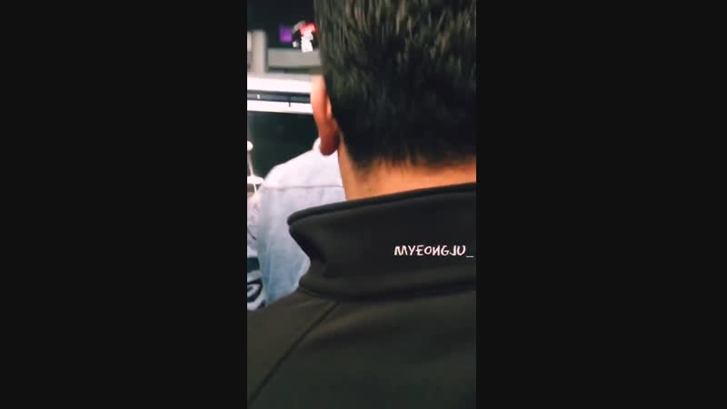 15.10.2018 - Юнхо в аэропорту Гимпо. TVXQ прилетели из Японии.