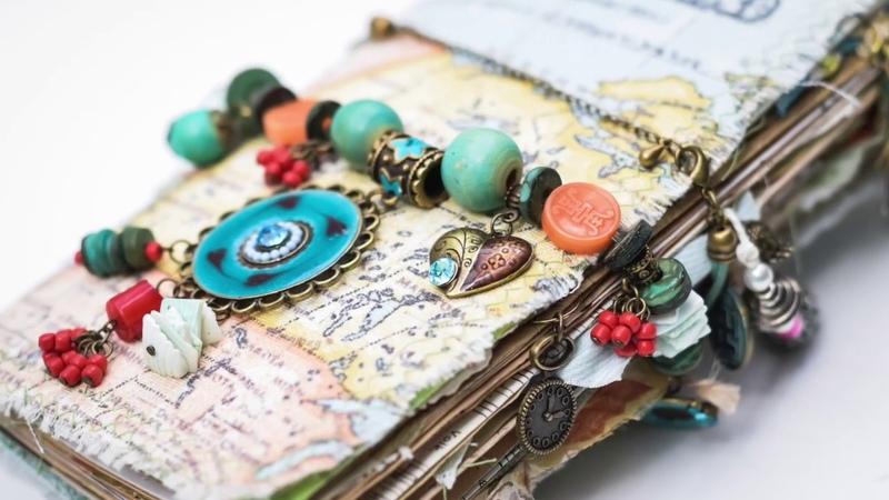Traveler's journals Colourful trip / flip through