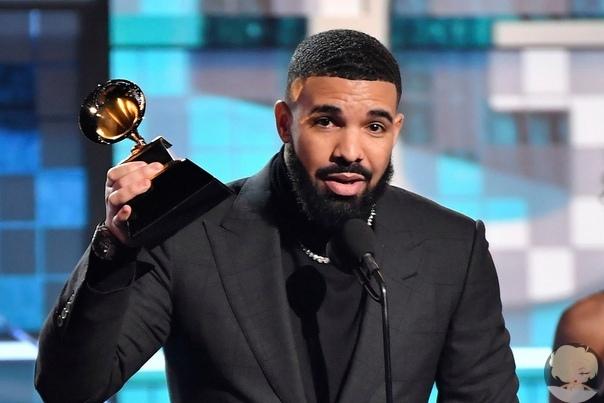 Дрейк обругал «Грэмми», принимая награду на сцене, и ему отключили микрофон