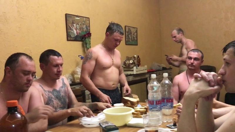 День рождения со спартанцами.Олег Калашников играет