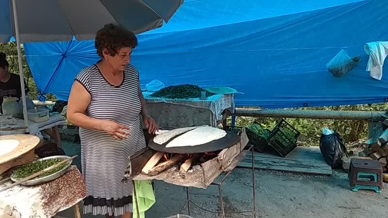 Приготовление кутабов, Азербайджан