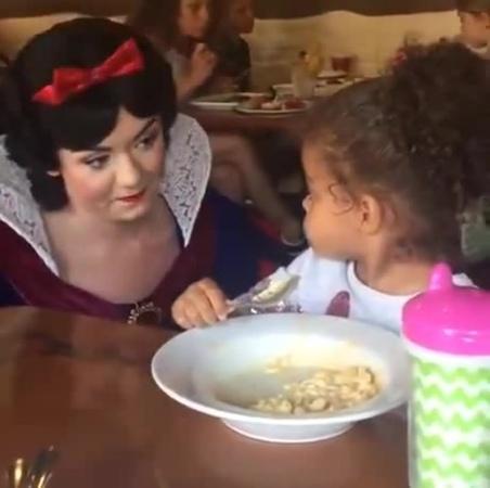 Snow White and Flashbacks coub