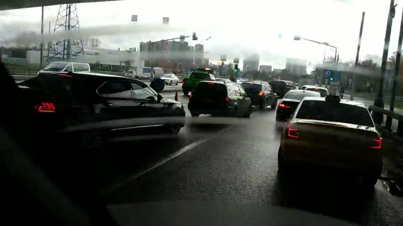 Аминьевское шоссе перед поворотом на Очаковском шоссе 10:30