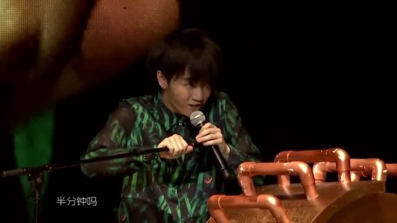 [Mars2014] Quasimodo's Gift __ Hua Chenyu 20140906 Mars Concert 华晨宇 2014演唱会《卡西莫多的