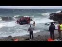 Wieder landet ein Boot mit Dutzenden Wissenschaftlern aus fernen Ländern auf griechischen Insel