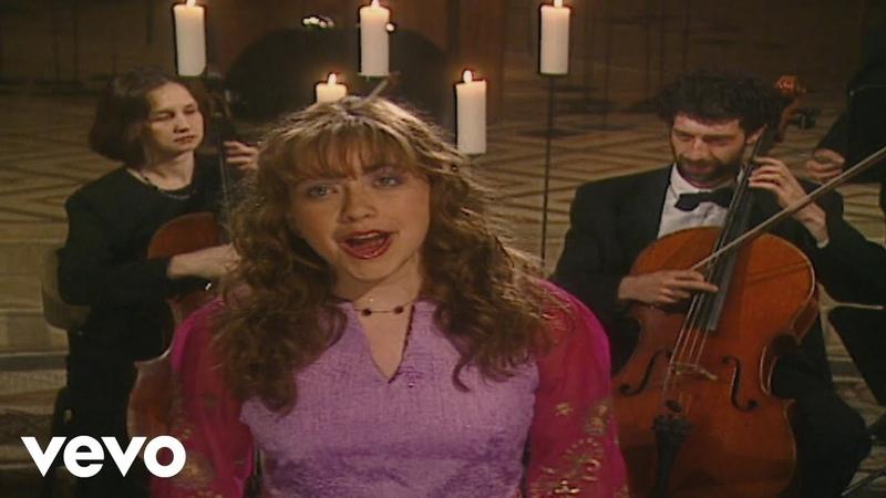 Charlotte Church - Draw Tua Bethlehem - Far Over Bethlehem (Dormition Abbey 2000)