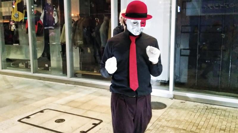 2017 12 15 ナニコレ?劇団 路上パフォーマンス MARIOドアップ貴重映像!無断コ