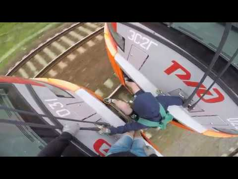 Зацеп между двух Ласточек Химки Сходня Крюково Trainsurfing in Russia