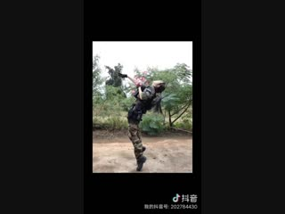 DS_airsoft__>_<