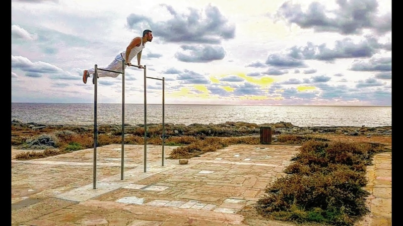 Турникмен с видом на море