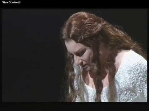 Eccola la scena della pazzia Lucia di Lammermoor Mariella Devia con testi