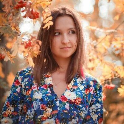 Анна Оленева