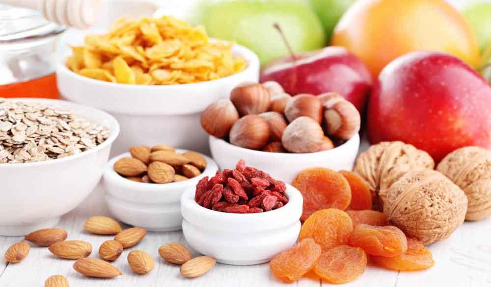 Изменение диеты может помочь облегчить симптомы болезни Крона.