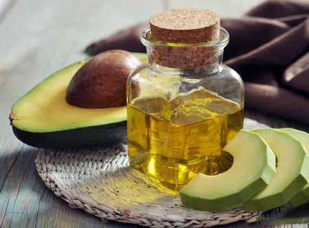 Масло авокадо используется в некоторых гелях для душа.