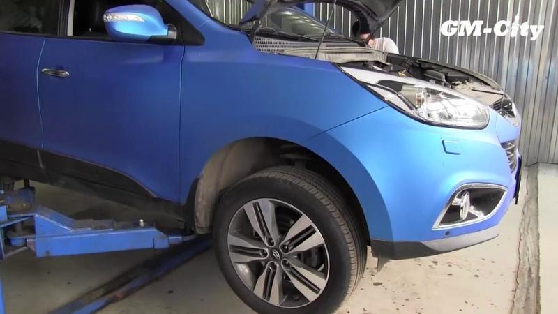 Замена передних тормозных дисков и колодок Hyundai ix35
