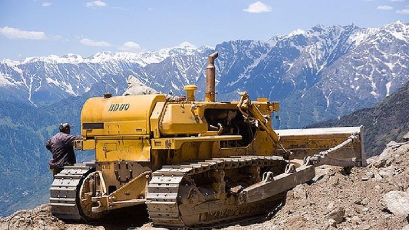 Extreme Dangerous Bulldozer Operator Skills Working on Mountain Largest Heavy Equipment Machines
