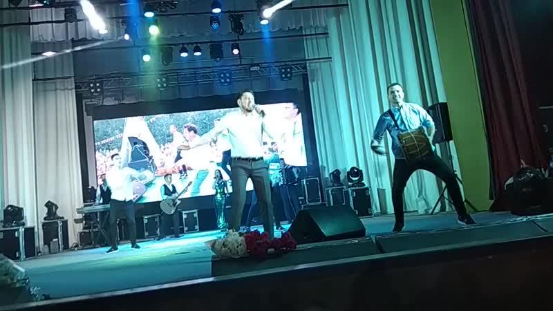 Фирдүс Тямаевның җыр,Авылыма кайтам концертында,Түбән Камада 3 көн)