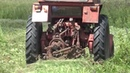 Трактора Т-25 и МТЗ -80 косят снова. Дед за рулём.