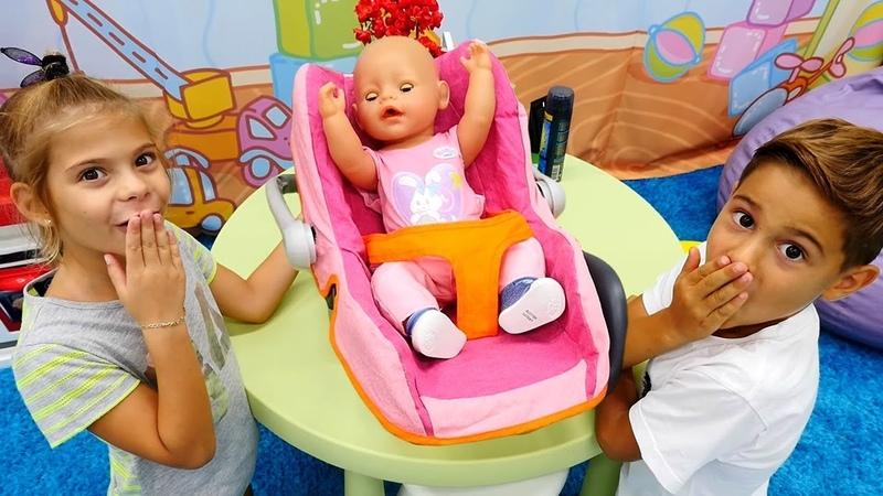 Fındık ailesi bakıcı oluyor. Bebek bakma oyunu
