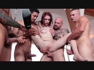 [Evil Angel] Redhead bitch Anna De Ville gets banged hard during painful gangbang / Поимели в 4 ствола жеско анал пизда