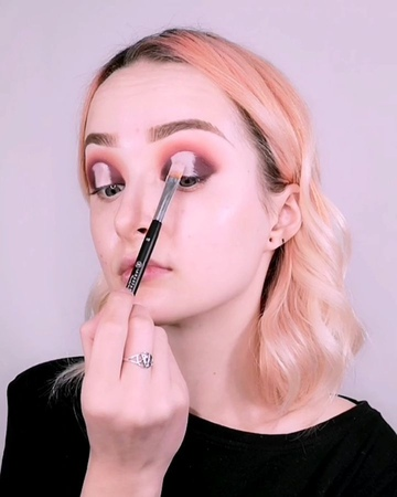 """Rei Lilith on Instagram """"Do you ever substitute your blush for eyeshadow ✌️ - EYES @anastasiabeverlyhills Subculture Palette shades Roxy , A..."""