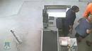 В Невинномысске мужчина незаметно крадёт деньги из кассы супермаркета