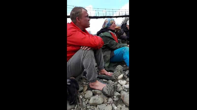 суровые тотемские туристы и тотемская каша нашли друг друга на привале