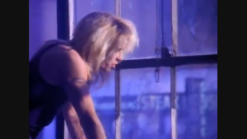 Mötley Crüe - Don't Go Away Mad (Just Go Away) (Official Music Video)