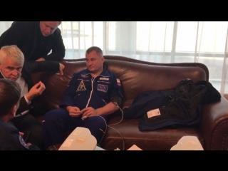 Первое видео с Овчининым и Хейгом после аварийной посадки экипажа «Союз МС-10»