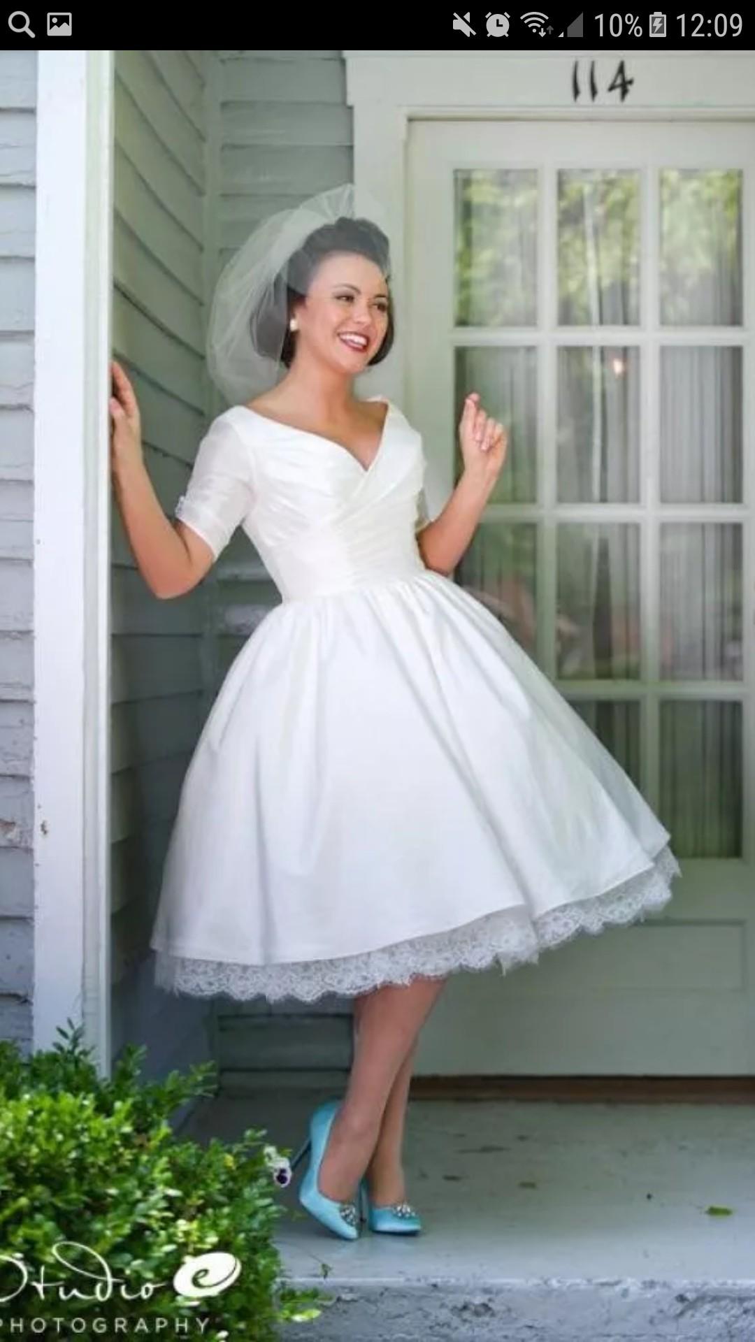 Здравствуйте,сколько будет стоить такое платье и какие сроки?