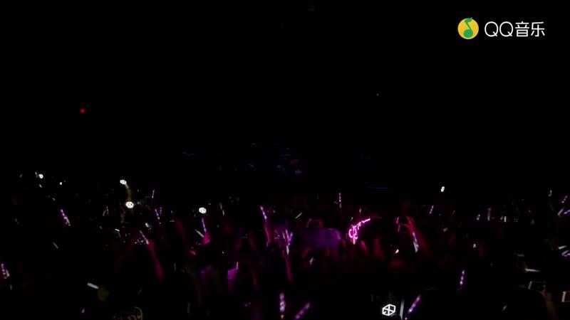 181107 EXO's Lay - NAMANANA What U Need Lay U Down Give Me A Chance Sheep @ New York Fan Event