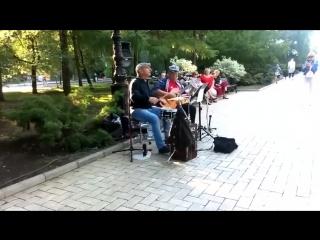Deep Purple в центре Донецка. Деды жгут просто супер!