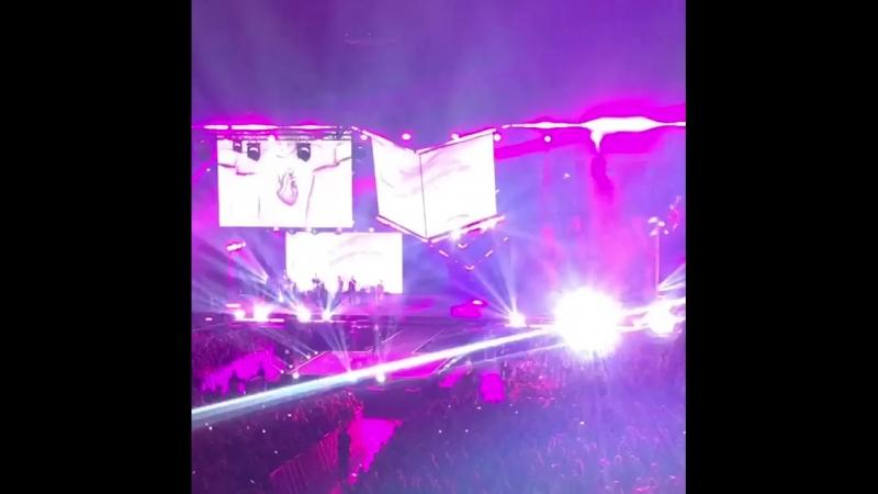 Андрей Запорожец (Sunsay, 5nizza) исполнил трибьют на песни «Сука любовь» Михея. (27 сентября 2018 г.) (видео)