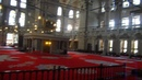 В мечети Мехмеда Фатиха, Стамбул.