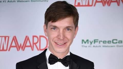 Петербургский актер снова получил «Порно-Оскар» Звезда фильмов для взрослых Маркус Дюпри получил пятую статуэтку «AVN Awards».Настоящее имя 31-летнего актера Алексей Маетный. Он уроженец