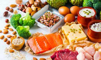 Хорошие источники протеины - простой греческий йогурт. Фасоль, горох и чечевица.