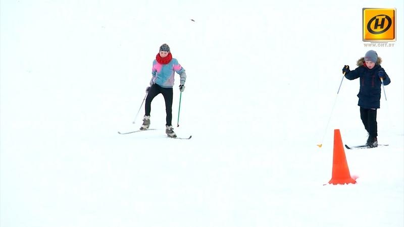 Школы Беларуси получают новое оборудование для занятий зимними видами спорта
