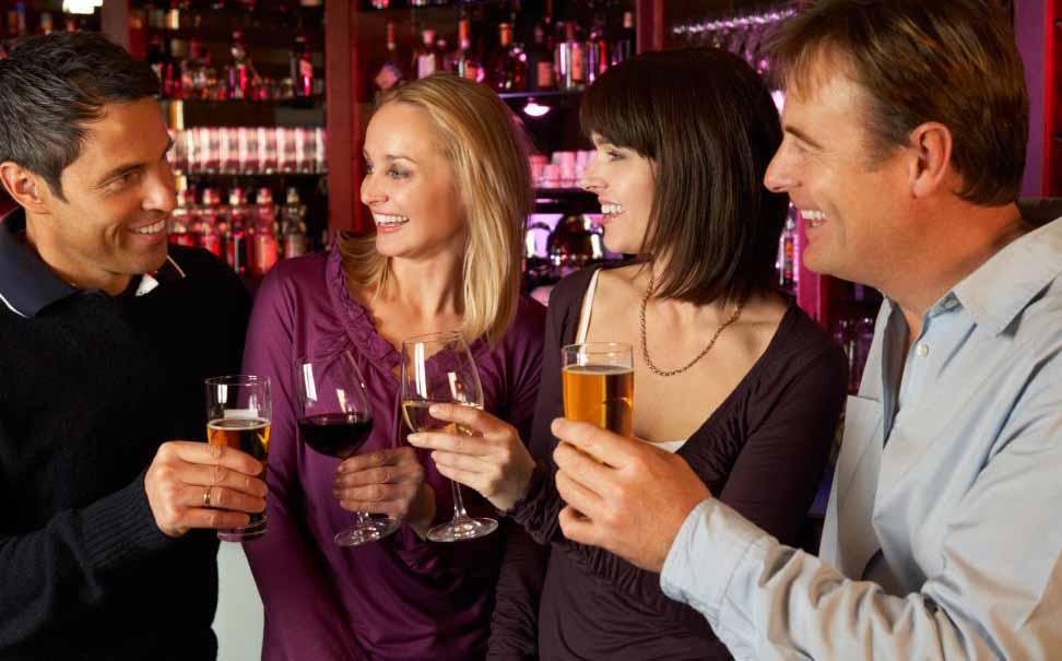 Психология сообщества может посмотреть на то, как люди взаимодействуют друг с другом в социальных группах.