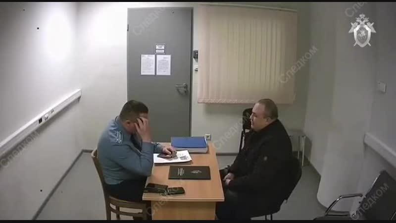 В Шереметьево мужик пытался дать взятку пограничнику в размере 50 тыс. рублей и был наказан