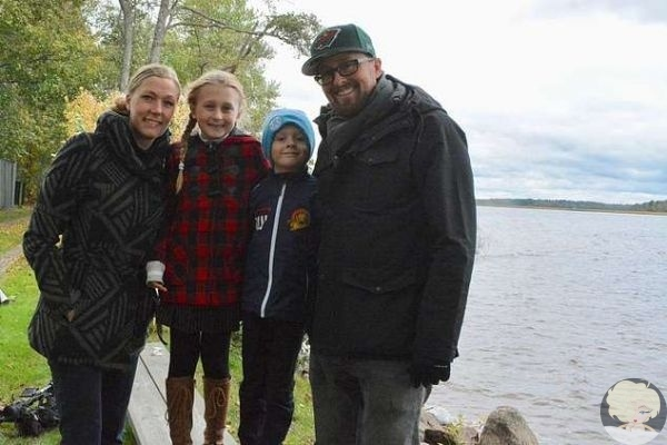 В Швеции восьмилетняя девочка нашла в озере у дома меч викигов возрастом полторы тысячи лет и подумала, что это ржавая палка
