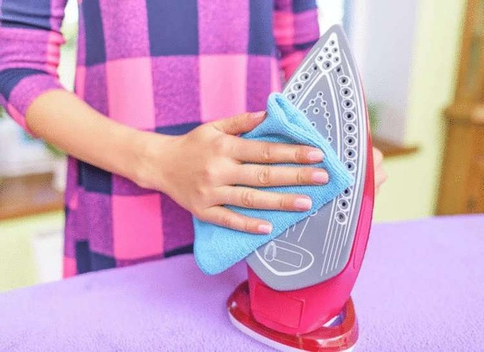 Как почистить утюг в домашних условиях от нагара, накипи, налета