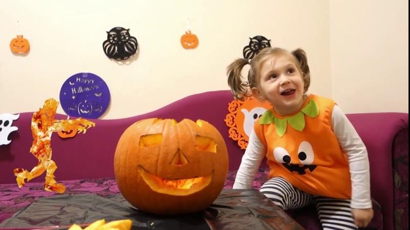 НЕ страшный Хэллоуин. Весёлая тыква Фонарь Джека и добрая ведьма. Non scary Halloween. Nice witch