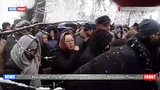 Верующие УПЦ МП проводят молебен возле Верховной Рады