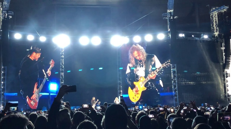 Metallica Robert Trujillo Kirk Hammett - Johnny Halliday' s cover Ma Gueule @ Stade de France