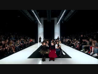 Даша Семёнова 7 лет показ Mercedes Benz Fashion Week Russia