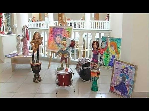 Выставка Маргариты Кустиковой «Люди и куклы живут вместе»