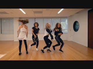 За кулисами: танец