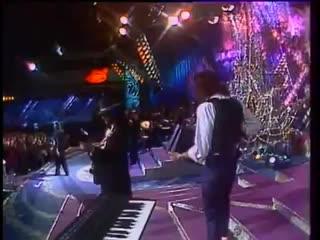 Добрынин Распутина Льется музыка Песня года 1990.mp4