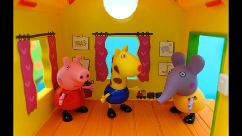 Peppa Pig. Peppa e i suoi amici riparano La casa sull'albero. Peppa gioca con i suoi amici